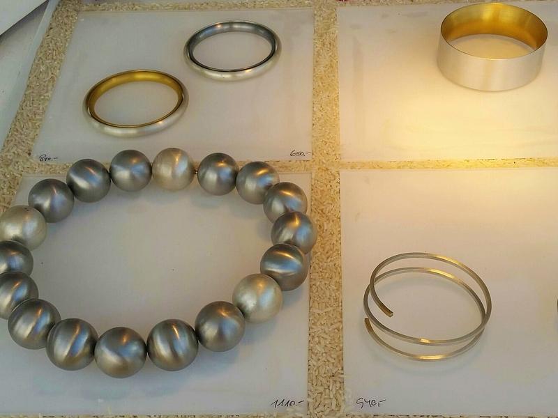 Ringe und Kugelkette