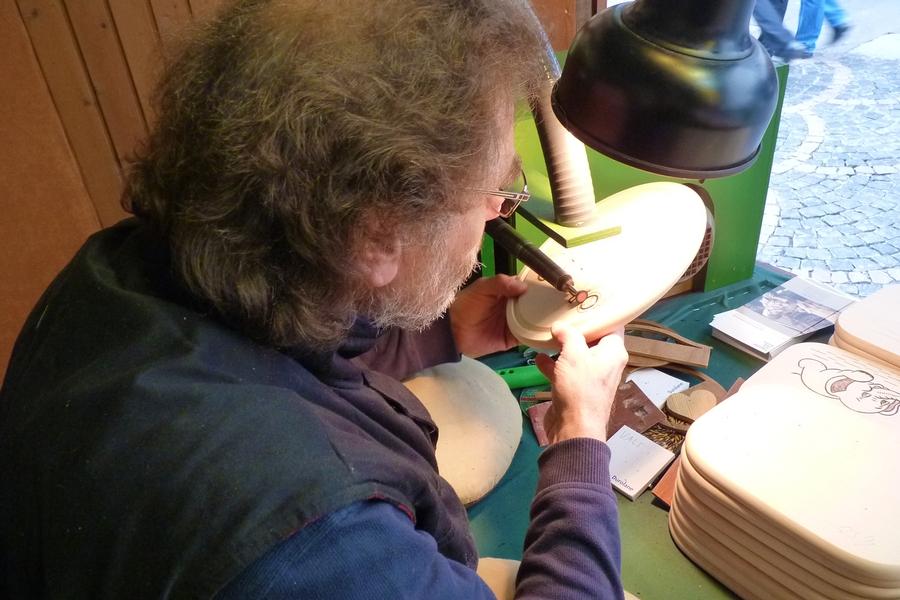 Portrait von Holzgravur Stahlberg